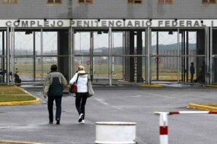 Los casos de coronavirus en las cárceles federales crecieron 31% en un mes