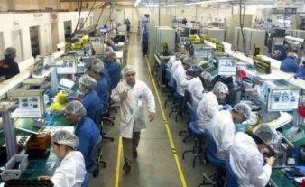 Empresa que fabrica en Tierra del Fuego celulares vendió su planta