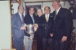 A 70 años de un logro supremo para el básquet argentino -  -
