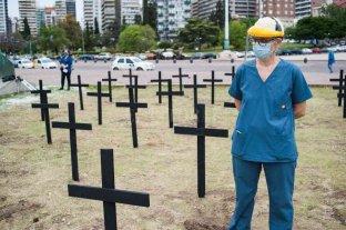 Rosario: con cruces negras, médicos piden aislamiento -  -