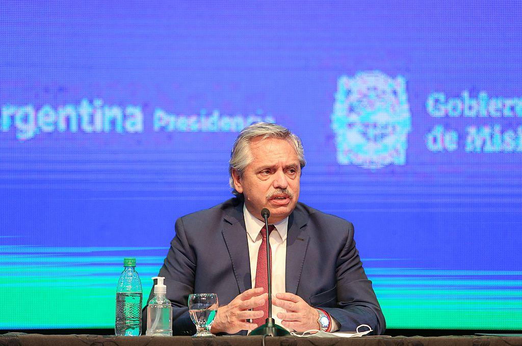"""Alberto Fernández: """"Vamos a seguir igual en las 8 provincias con más casos y en el AMBA"""" -  -"""