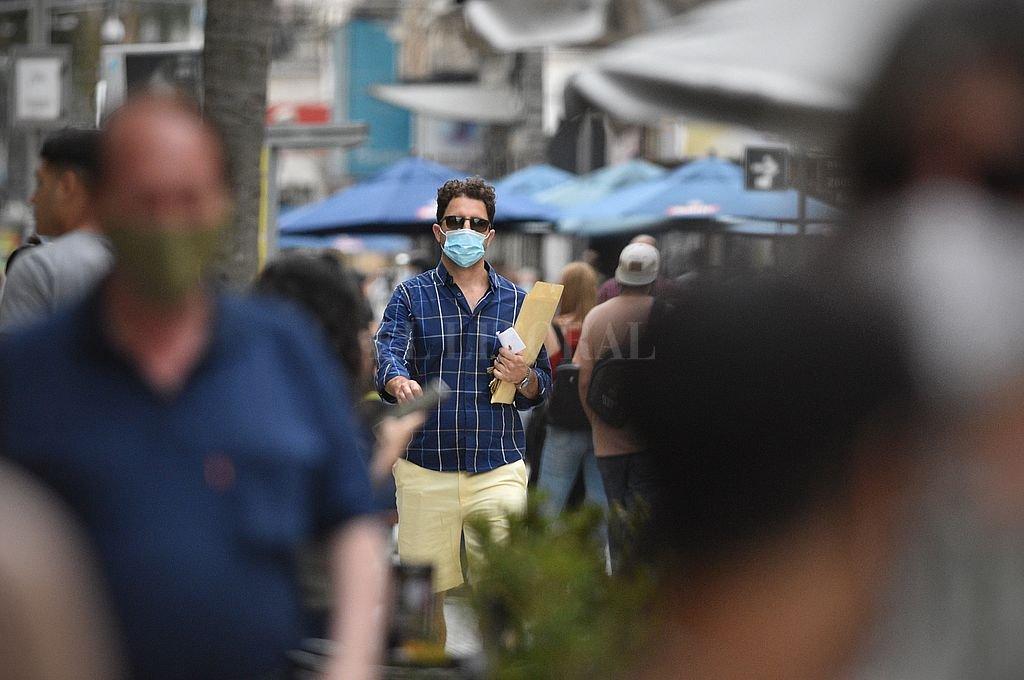 La provincia de Santa Fe superó los 90.000 casos de coronavirus  -  -