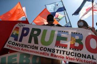 """Chile decide bajo tensión social si reemplaza la """"Constitución de Pinochet"""""""