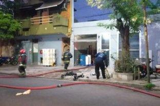 Siete heridos durante un incendio y explosión en un laboratorio de Villa Mitre