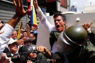 Leopoldo López abandona embajada de España y dejó Venezuela
