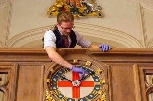 Reino Unido: un experto real cambiará al horario de invierno 400 relojes antiguos en Windsor y Buckingham