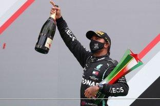 Hamilton ya es récord absoluto y se acerca al séptimo título - El festejo de Hamilton luego de haber ganado el Gran Premio de Portugal. -