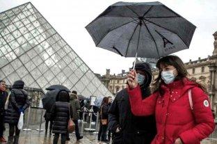 """Médicos sostienen que Francia """"perdió el control del coronavirus"""" y piden más restricciones"""
