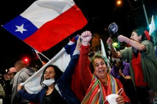 """Europa felicitó a Chile por su """"respuesta democrática"""" a la necesidad de reforma constitucional"""