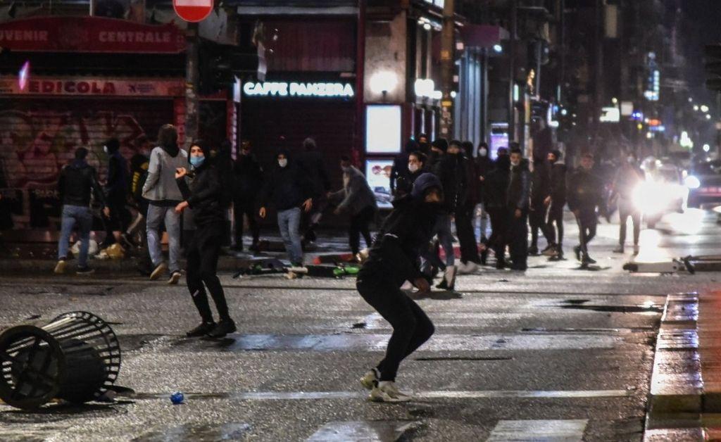 Fuertes disturbios en Milán y Turín por las nuevas restricciones — Coronavirus