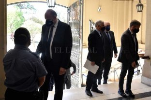 Perotti apuesta al diálogo con  la Justicia para dar respuestas - Perotti fue recibido por todos los ministros de la Corte y acompañado por funcionarios de su gabinete. -