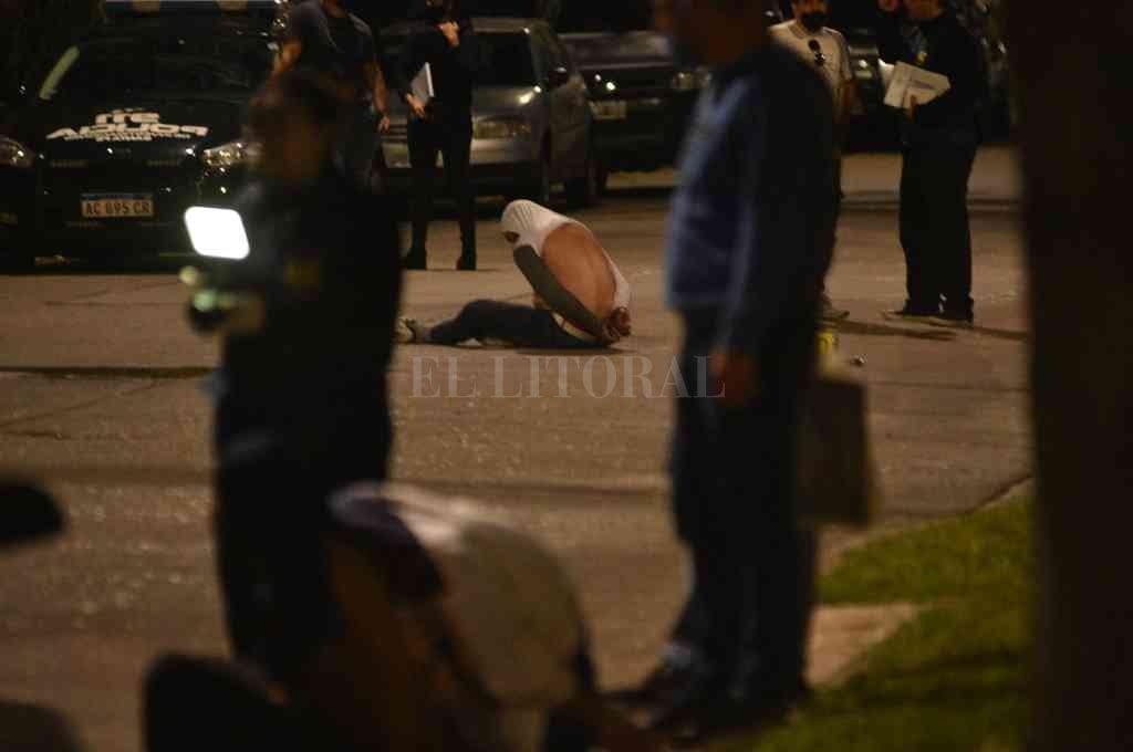 El tiroteo del 10 de septiembre en barrio Guadalupe culminó con cuatro miembros de la banda detenidos. Crédito: Manuel Fabatía