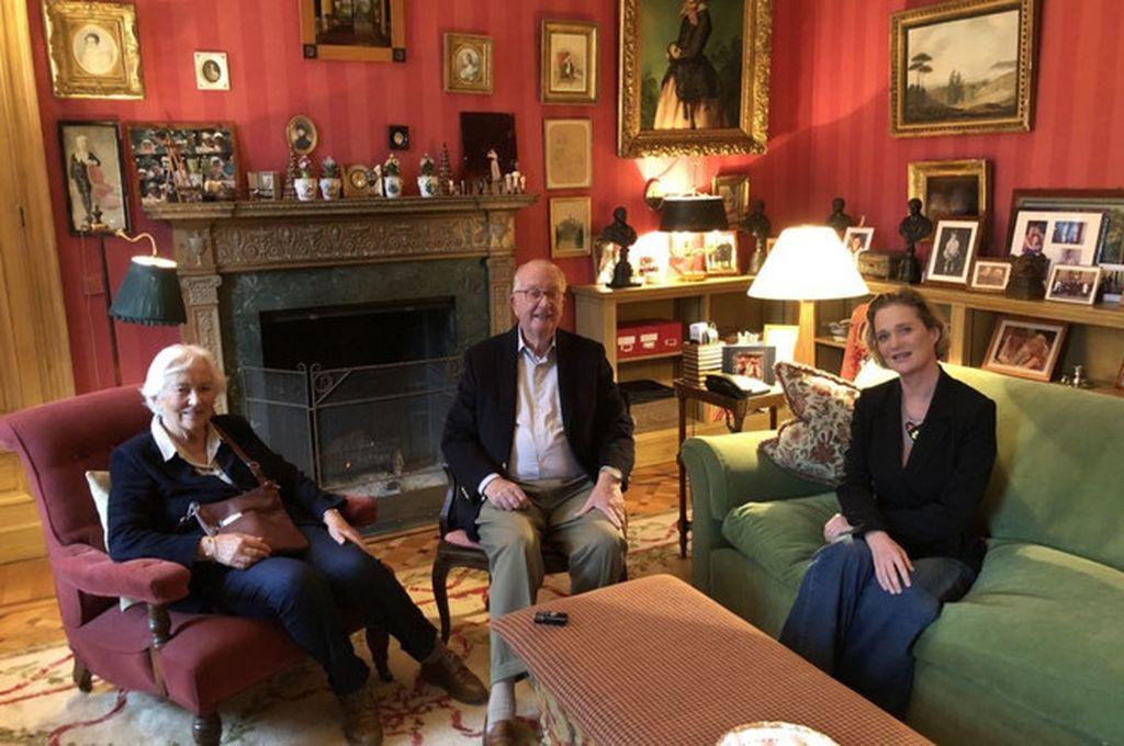 Delphine y los reyes eméritos  Crédito: Casa real de Bélgica