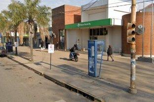 Rosario: imputaron a un policía por robarle la AUH a una detenida