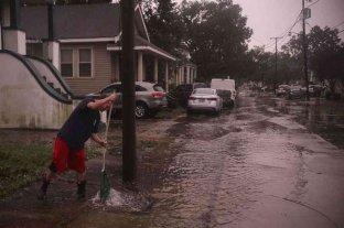 Con fuertes vientos y lluvias, el huracán Zeta tocó tierra en la costa de Luisiana