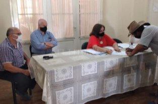 Regularizan la situación de pequeños y medianos ganaderos en islas fiscales
