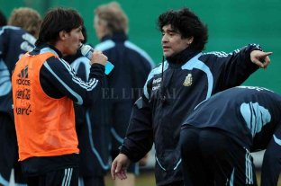 Para Diego, Messi y Ronaldo están un escalón arriba