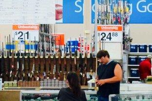 Walmart retira armas de fuego de sus locales físicos ante el aumento de tensiones en EEUU por las elecciones