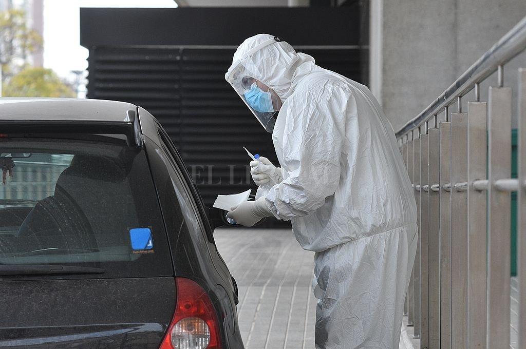Covid: la provincia de Santa Fe sumó 49 muertes y 2.154 contagios, 307 de la ciudad -  -