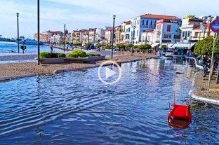 Impactantes videos del tsunami que afectó a Turquía y Grecia -
