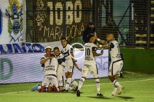 Gimnasia goleó a Patronato en el estreno de la Copa de la Liga Profesional