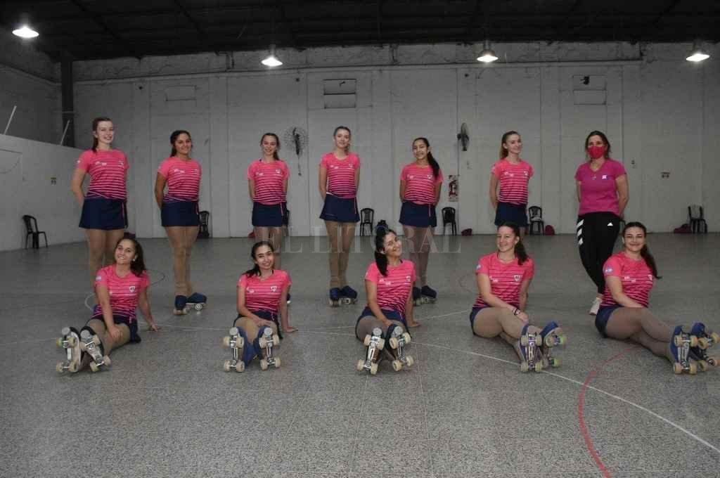 Parte del Equipo de Competición de Vanguardia del Club Independiente de Santa Fe, de la Categoría Show Large Internacional que integra el Seleccionado Nacional. Hoy, el trabajo, dividido en grupos, apunta al Mundial de Paraguay 2021.    Crédito: Manuel Fabatía