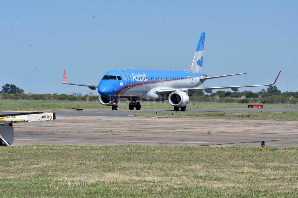 Después de más de siete meses, volvieron los vuelos entre Santa Fe y Buenos Aires -  -