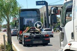 Realizaron un cortejo fúnebre en camiones en Corrientes