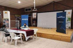 """Pirola: """"activamos junto a Anses y gobiernos locales, una manera de atender más y mejor a nuestros vecinos"""""""