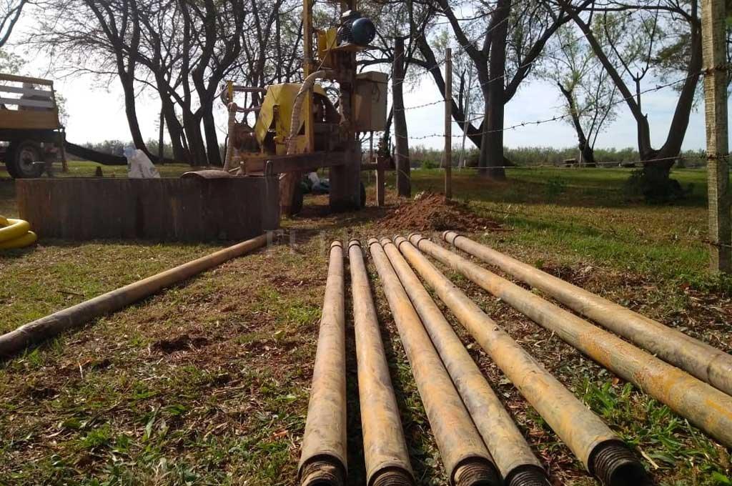 Santa Fe tiene buena cantidad y calidad de agua extraída por perforaciones, pero la situación actual dificulta su extracción. Crédito: Gentileza AV Perforaciones.