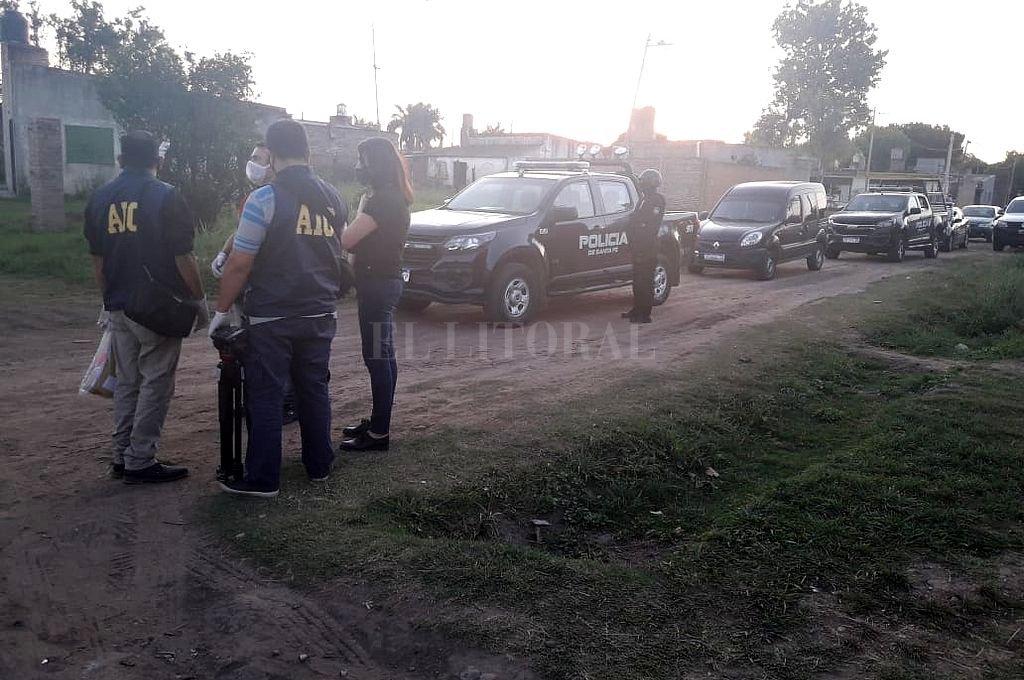 La sospechosa fue detenida el lunes en el marco de seis allanamientos realizados por la Agencia de Investigación Criminal (AIC) en Santo Tomé. Crédito: Prensa Ministerio de Seguridad