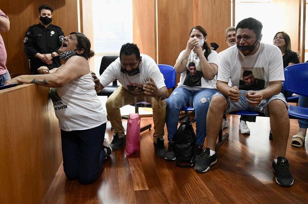 Desgarrador fue el momento que protagonizaron los familiares de las víctimas al conocerse las sentencias. Crédito: Marcelo Manera