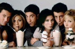 Matthew Perry anunció la reprogramación de la reunión del elenco de Friends