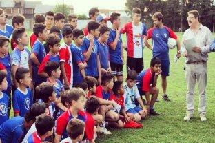 Rosconi junto a las instituciones deportivas de Casilda