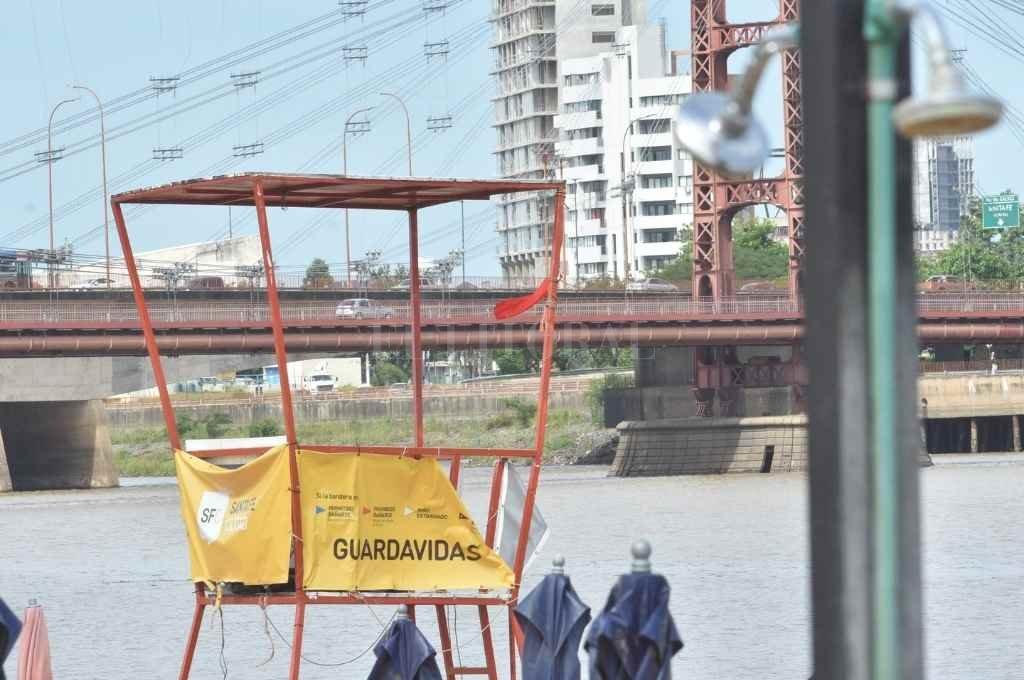 Los guardavidas de la ciudad estarán realizando acciones preventivas en las playas desde el domingo.   Crédito: Flavio Raina