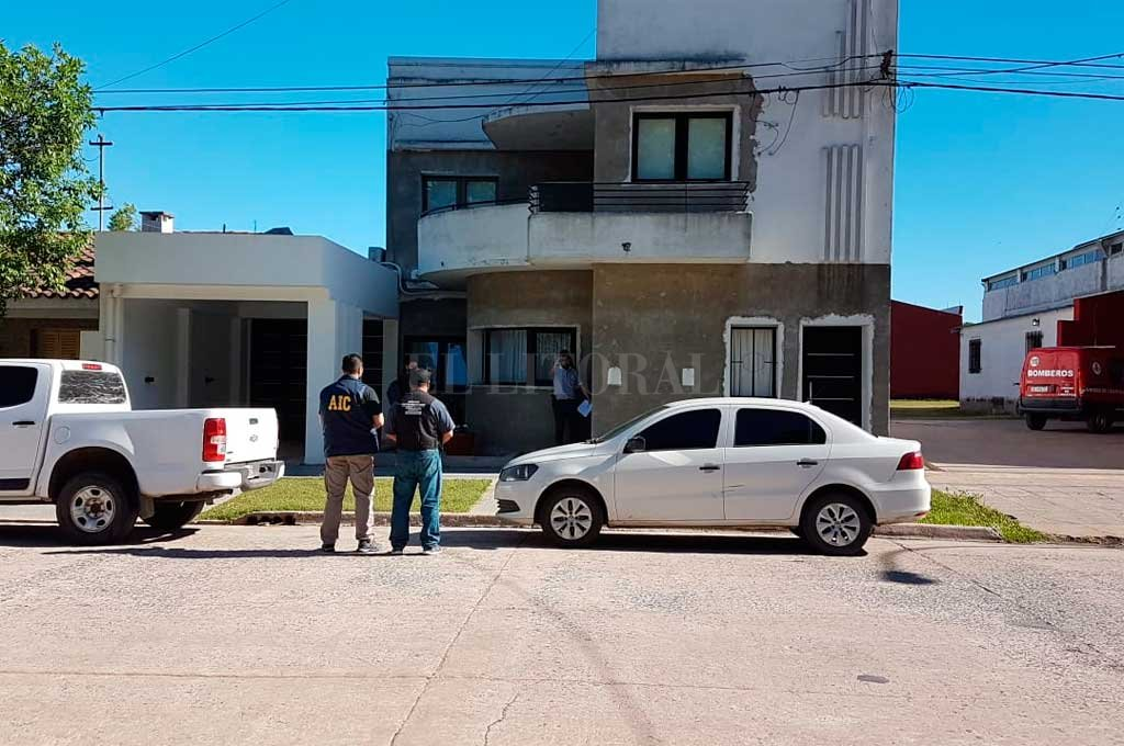 Un arsenal se encontró el personal de la AIC cuando fue a allanar una casa de Calchaquí, donde se produjo el arresto del acusado. Crédito: Gentileza Ministerio de Seguridad de Santa Fe