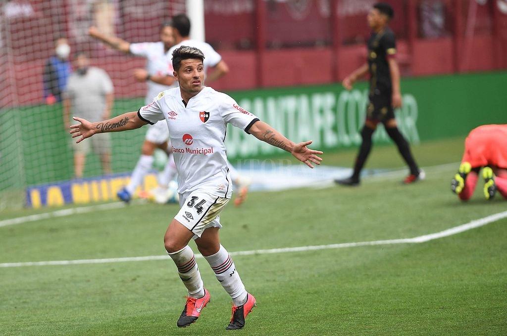 Newell's se recuperó y goleó a Lanús por 4 a 2