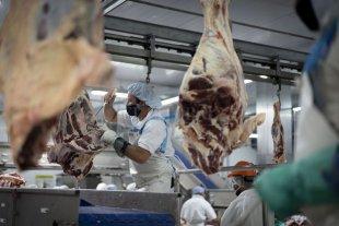 Desmienten que pudiera llegar COVID-19 a China en un embarque de carne argentina