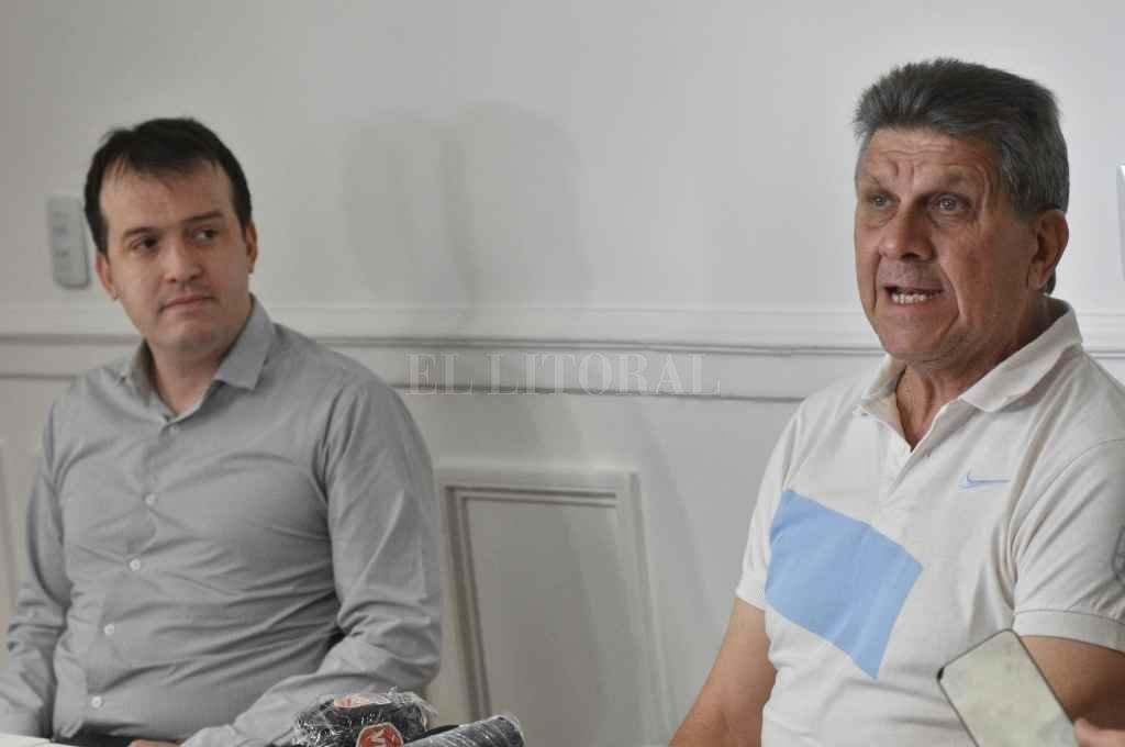 Joaquín Blanco y Gerardo Barisone en la presentación de la iniciativa que se someterá  a debate parlamentario    Crédito: Pablo Aguirre