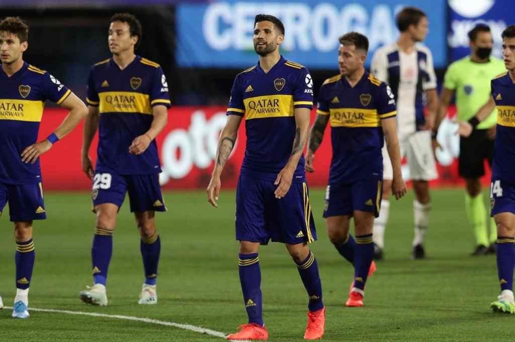 Quiere revancha I. Luego de perder ante Talleres, Boca recibe hoy a Lanús en busca de un triunfo que lo vuelva a perfilar en la Copa de la Liga Profesional de Fútbol.    Crédito: Gentileza