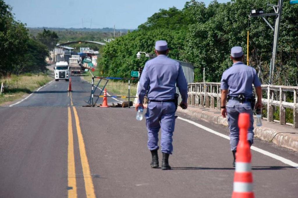 La Policía de Formosa, al igual que la de Chaco, confirmó que este mismo viernes ingresaron todas las personas que estaban acampadas en el límite interprovincial. Crédito: Gentileza Agenfor