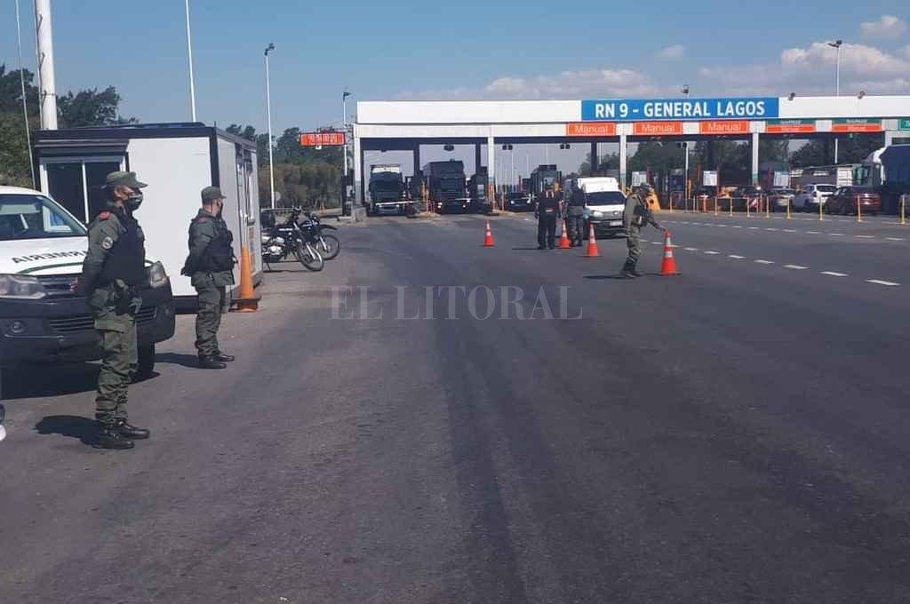 El operativo fue llevado a cabo por la fuerza nacional en el peaje de General Lagos, en departamento Rosario. Crédito: Gentileza
