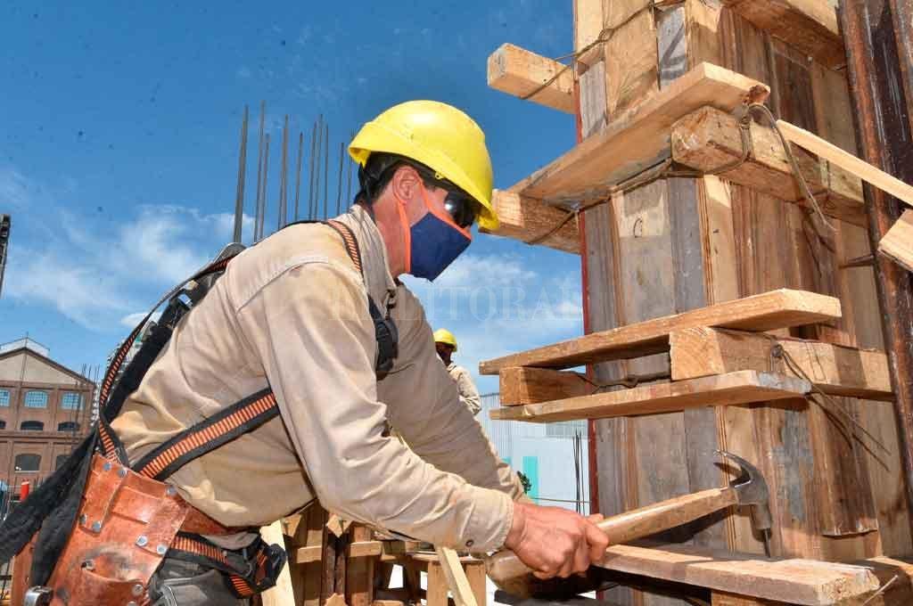 La economía provincial...¿tocó fondo y se recupera? -  -