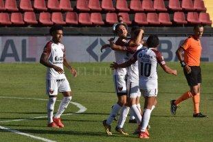 A falta de dos fechas, Colón clasificó a la Fase Campeonato -