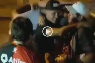 Video: así fue recibido Facundo Farías en su casa tras anotar su primer gol en Colón -