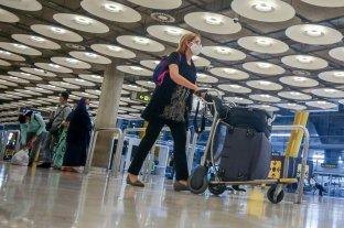 España exige un PCR negativo a viajeros internacionales