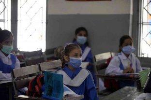 Pakistán cerrará todas las escuelas por el avance del coronavirus
