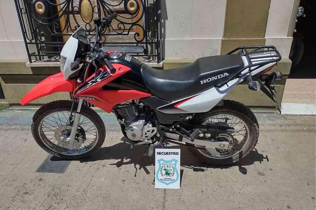 Una Honda XR robada en la ciudad de Rafaela el martes pasado fue encontrada en Santa Fe este domingo. Crédito: Prensa URI