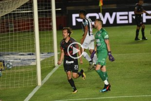 Con un promedio de gol cada 78 minutos, Bernardi es uno de los goleadores del torneo