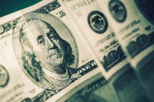 """El dólar """"ahorro"""" supera los 142 pesos"""